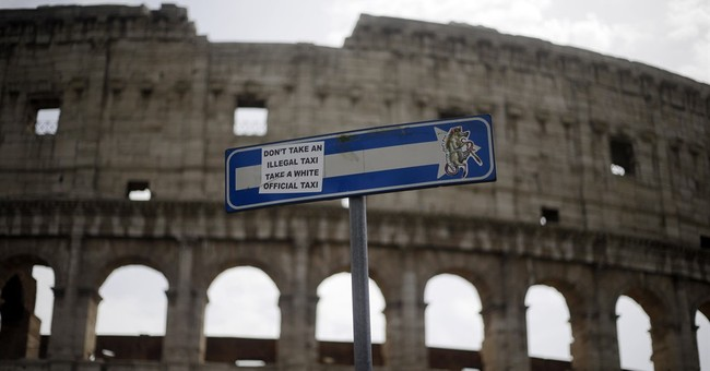 Tourists kept out of Colosseum during union meeting