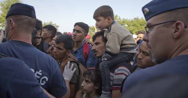 The Latest: Slovenian police pepper spray migrants at border