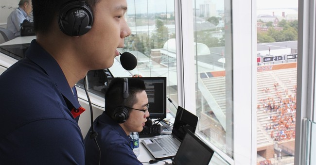 Illinois launches Chinese broadcasts of football games
