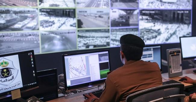 Saudi Arabia says 100,000 troops to secure this year's hajj