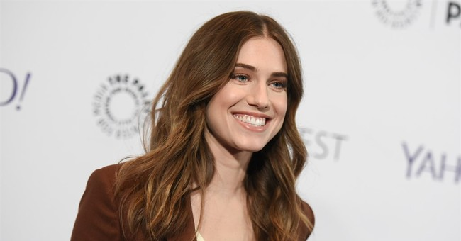 Actress Allison Williams weds Ricky Van Veen in Wyoming