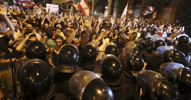 Lebanese protesters face off with security forces in Beirut