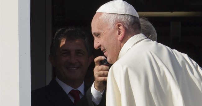 No handshakes, fist bumps for pope's speech to Congress
