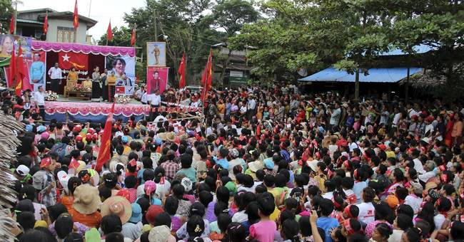 Image of Asia: Suu Kyi campaigns for upcoming elections