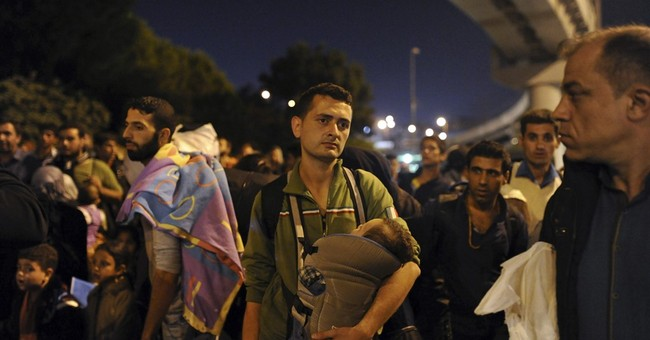 Amid migrant mobilization, signs Turkey is hardening rules