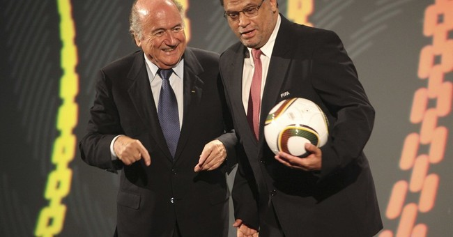 FIFA to brief executive committee on US, Swiss probes