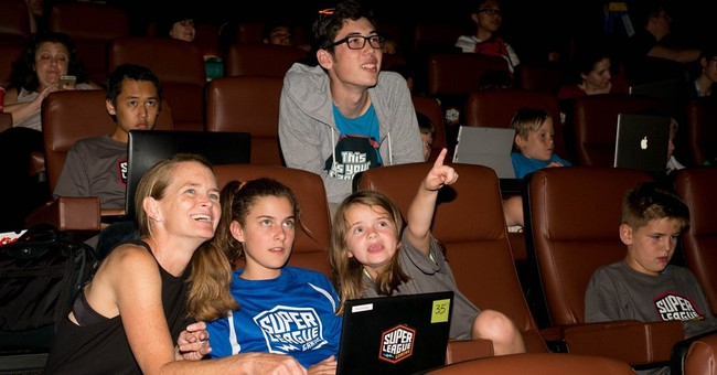 Movie theaters host youth league for 'Minecraft' gamers