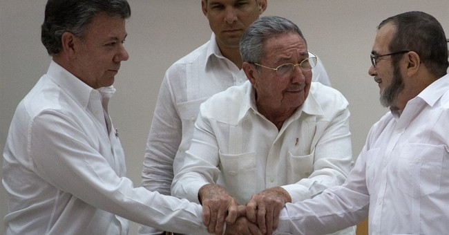 Political, legal barriers face historic Colombia peace deal
