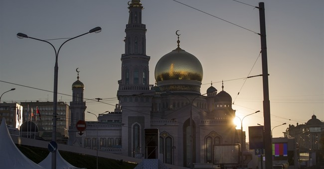 Mosque opening in Moscow attended by Putin, Abbas, Erdogan