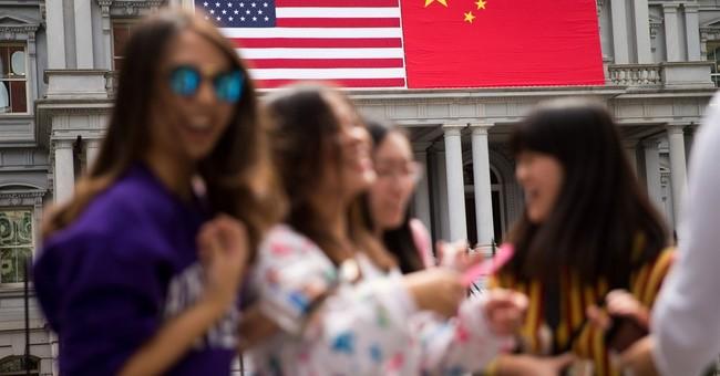 Obama seeks elusive progress on cyberspying in China talks