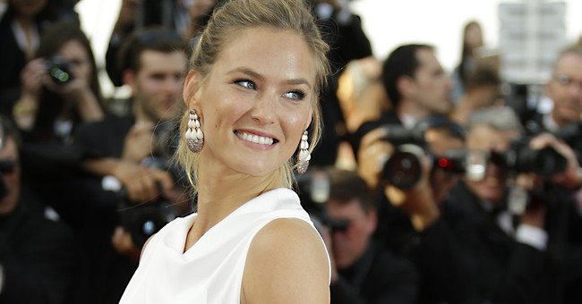 Israeli supermodel's wedding sparks spat over open skies