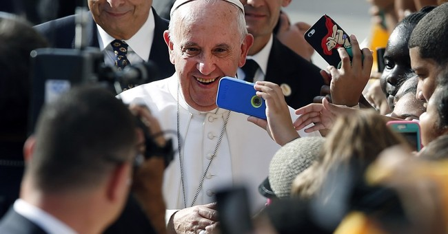 Pope Francis mingles with high and low in New York visit