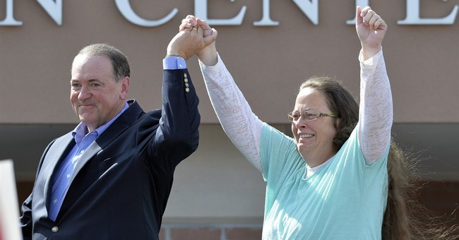 Clerk Kim Davis switching parties to become a Republican