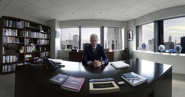 Bill Clinton appears in virtual-reality movie on Africa