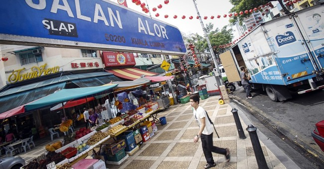 3 people detained in Malaysia after terrorism warnings