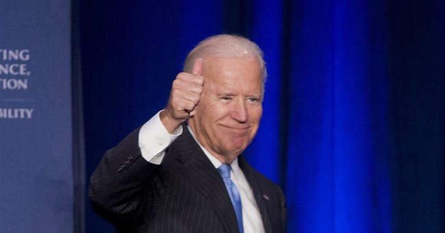 Biden hailed by gay rights group, but Clinton has head start
