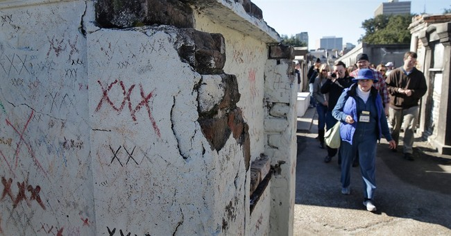 Vandalism: No solo tourists in New Orleans' oldest cemetery