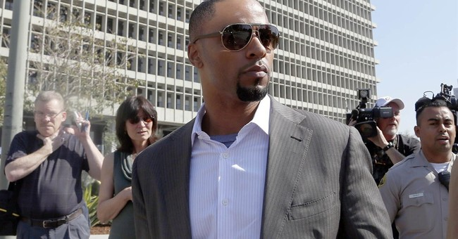 Ex-NFL star Darren Sharper to face rape charges next month