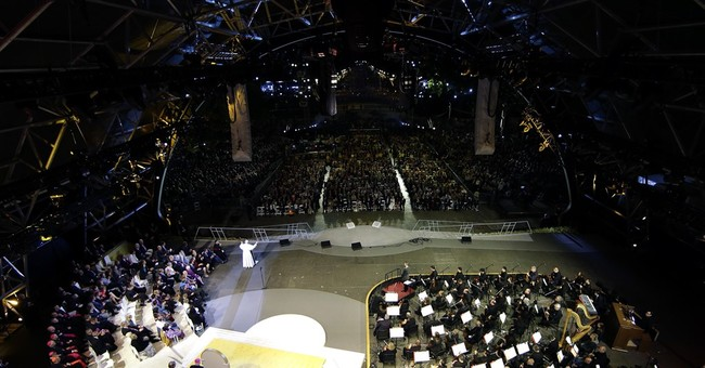 As many as a million expected for pope's last Mass in US
