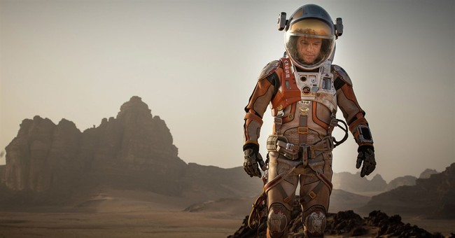 Review: Damon charms as stranded astronaut in 'The Martian'