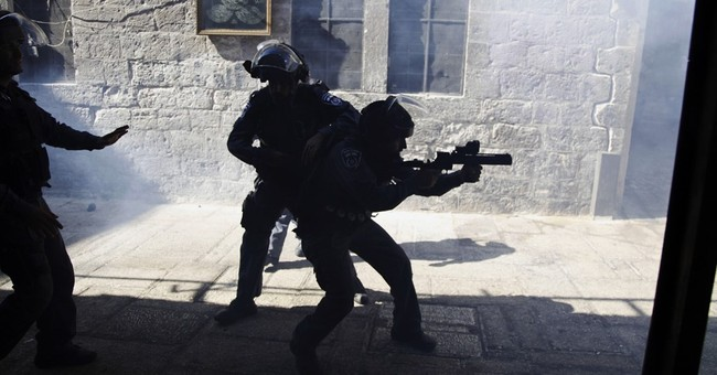Palestinians, Israeli forces clash amid holy site tensions