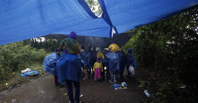 First wave of cold weather hits migrants hard in Balkans
