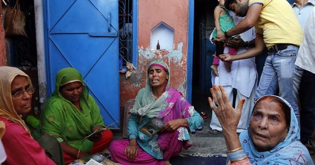 India arrests 8 for allegedly killing Muslim over beef rumor