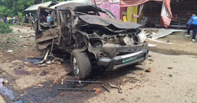 Bomb in southern Philippines kills 4, hits vice mayor convoy