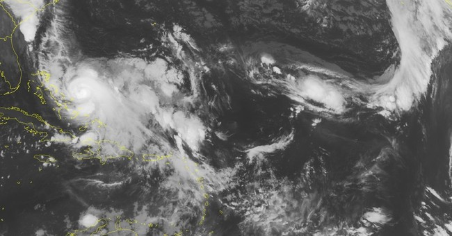 US searches Bahamas for ship lost during Hurricane Joaquin