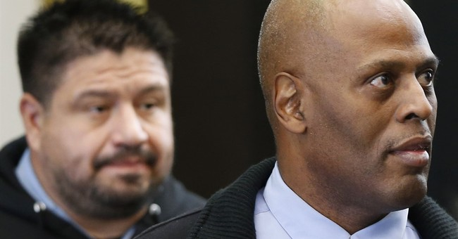 Chicago police commander to go on trial for tough tactics