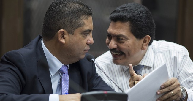 Accused leader of Guatemala corruption ring turns himself in
