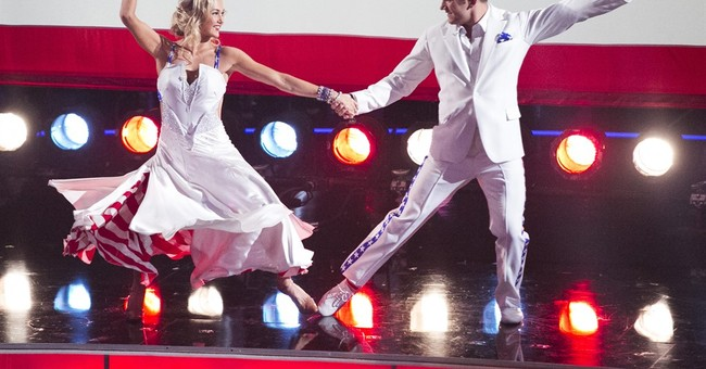 Train hero honors Oregon town on 'Dancing with the Stars'