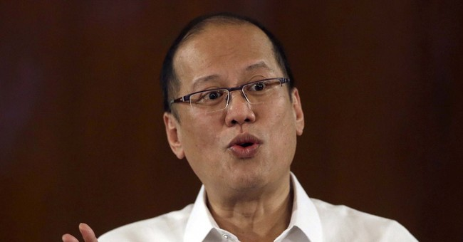Philippines says peace pact collapse would aid terrorists