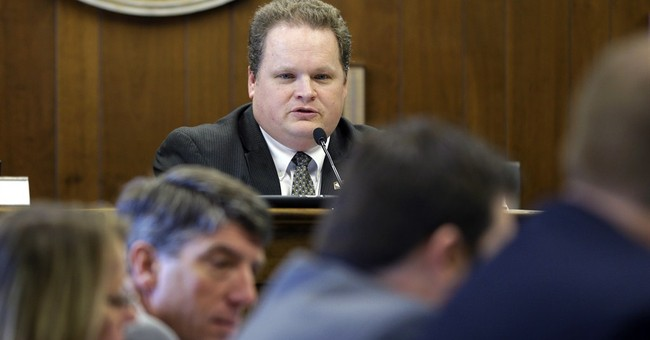 Arkansas panel rejects removing Lee from King holiday