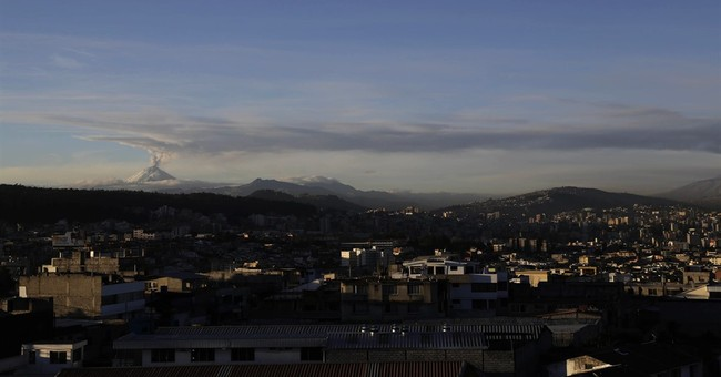 New bursts of ash and gas from Ecuador's Cotopaxi