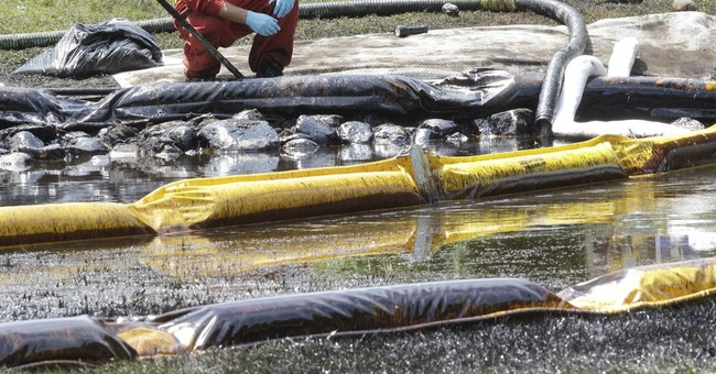 Lawsuit wants plans mandated for dealing with big oil spills
