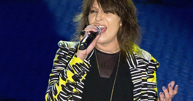 A reckless life as rocker -- and media figure -- for Hynde