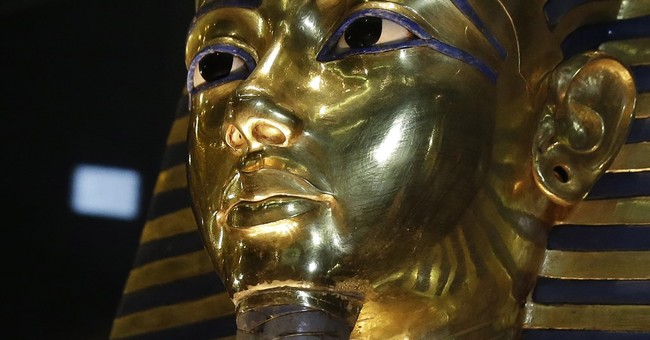 Egypt to restore King Tut mask after botched epoxy job