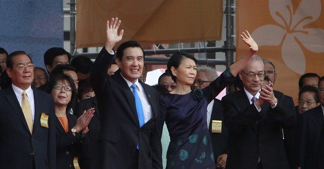 Taiwan leader warns successor to keep status quo with China