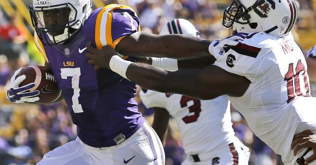NCAA: LSU RB Fournette can auction jersey for flood victims