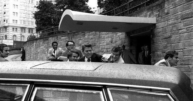 Secret Service agent who saved Reagan after shooting dies