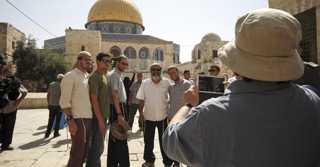 Netanyahu accuses Arabs of incitement in wave of stabbings