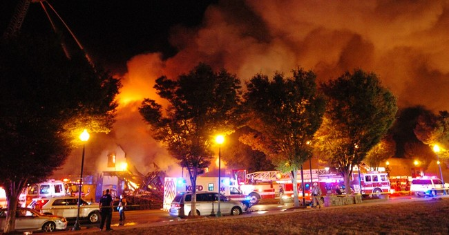 2 firefighters die after 2 rescued from Kansas City blaze