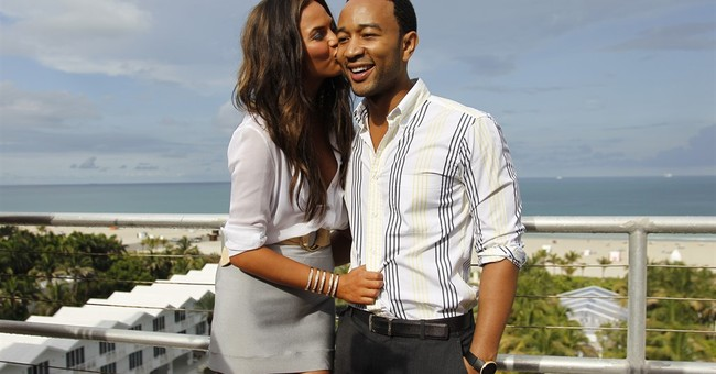 John Legend, Chrissy Teigen announce pregnancy