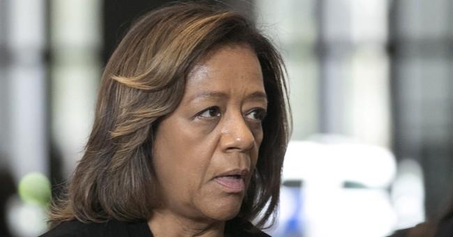 Ex-Chicago Public Schools CEO pleads guilty, apologizes