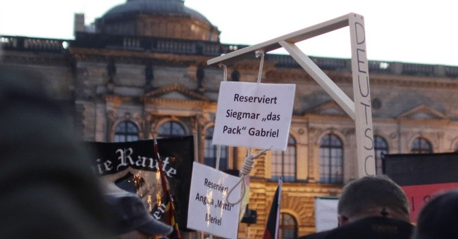 Germany: prosecutors probe mock gallows at PEGIDA rally