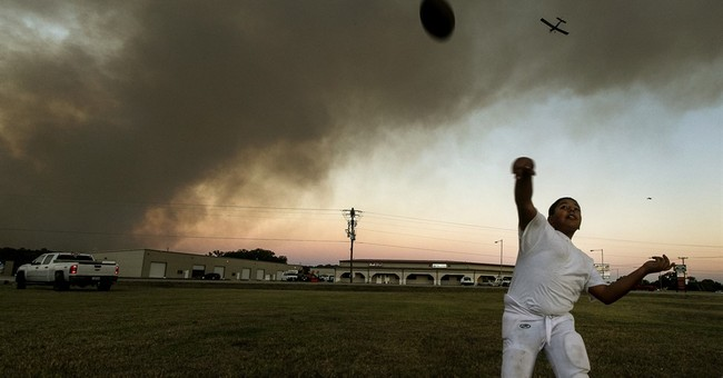 Texas wildfire destroys at least 9 homes; no injuries