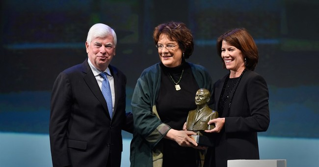 Bill Clinton receives human rights award in Connecticut