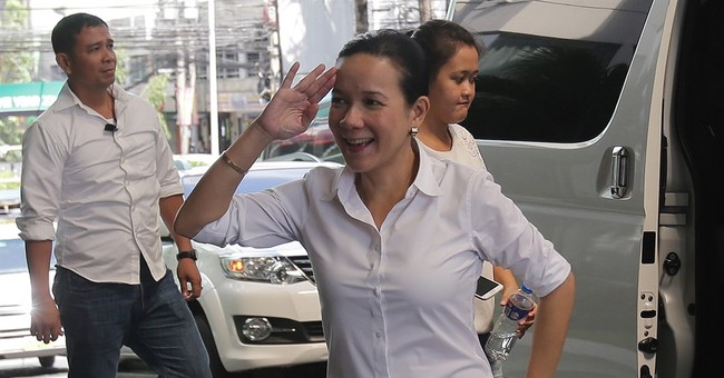 Top Philippine presidential contenders register candidacies