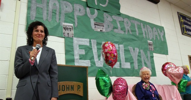 High school cafeteria worker celebrates 95th birthday